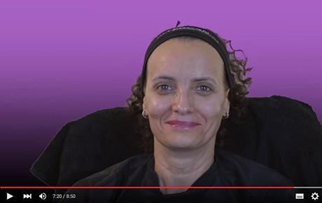Vidéo : séance d'injections d'acide hyaluronique visage.